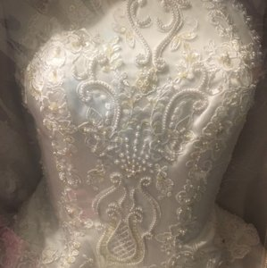 White Traditional Wedding Dress Size 6 (S)
