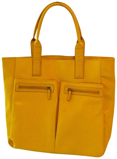 Preload https://img-static.tradesy.com/item/23964959/neiman-marcus-crocodile-textured-large-yellow-faux-leather-tote-0-1-540-540.jpg