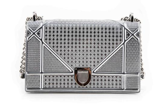 Preload https://item1.tradesy.com/images/dior-silver-tone-metallic-micro-cannage-motif-diorama-silver-calfskin-leather-shoulder-bag-23964995-0-1.jpg?width=440&height=440