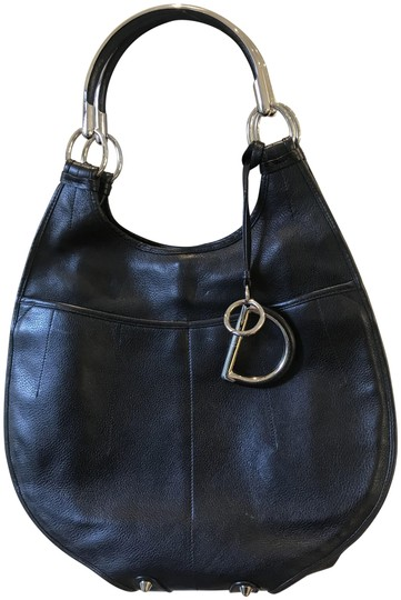 Preload https://img-static.tradesy.com/item/23965066/dior-61-black-leather-tote-0-2-540-540.jpg