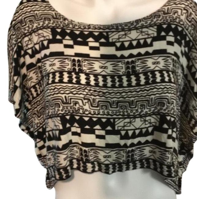Preload https://item5.tradesy.com/images/tres-bien-black-and-white-tribal-crop-blouse-size-16-xl-plus-0x-23965069-0-1.jpg?width=400&height=650