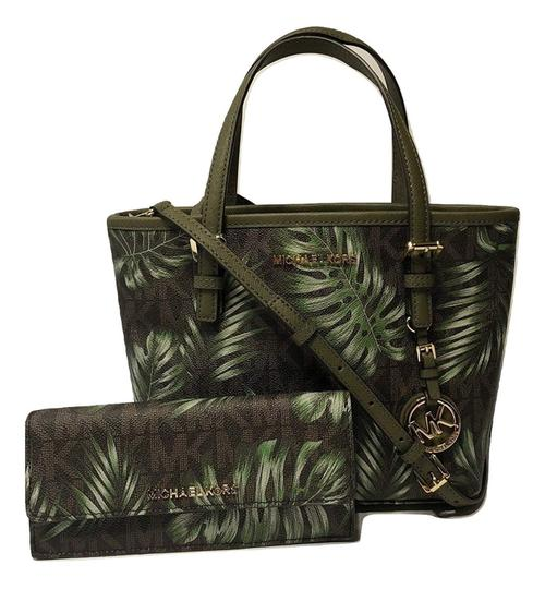 Preload https://item3.tradesy.com/images/michael-kors-jet-set-travel-xs-caryall-and-matching-flat-walle-olive-palm-tote-23965097-0-0.jpg?width=440&height=440