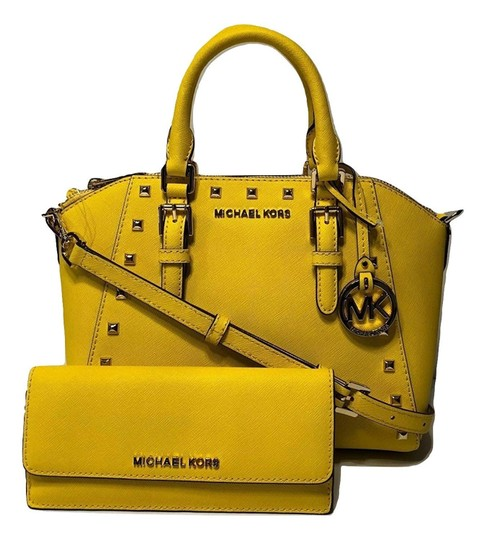 Preload https://item5.tradesy.com/images/michael-kors-ciara-studded-md-messenger-handbag-and-matching-wallet-citrus-leather-satchel-23965159-0-0.jpg?width=440&height=440