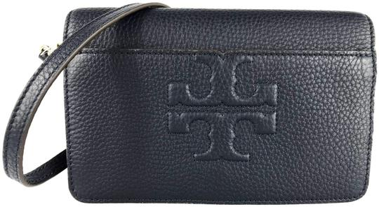 Preload https://img-static.tradesy.com/item/23965163/tory-burch-bombe-small-navy-leather-cross-body-bag-0-3-540-540.jpg