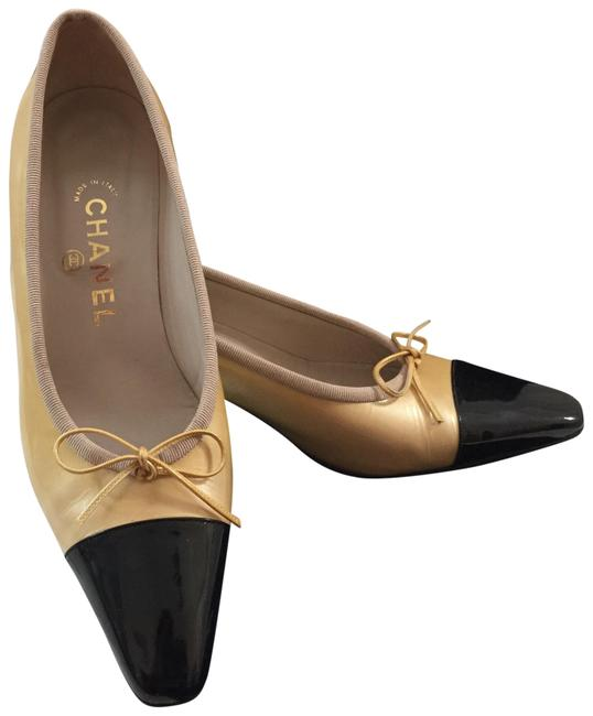 Chanel Classic Two Pumps Size US 9 Narrow (Aa, N) Chanel Classic Two Pumps Size US 9 Narrow (Aa, N) Image 1