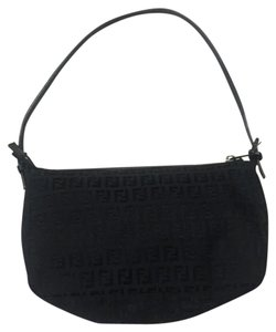 1989fc7009e4 Fendi Shoulder Bags - Up to 90% off at Tradesy