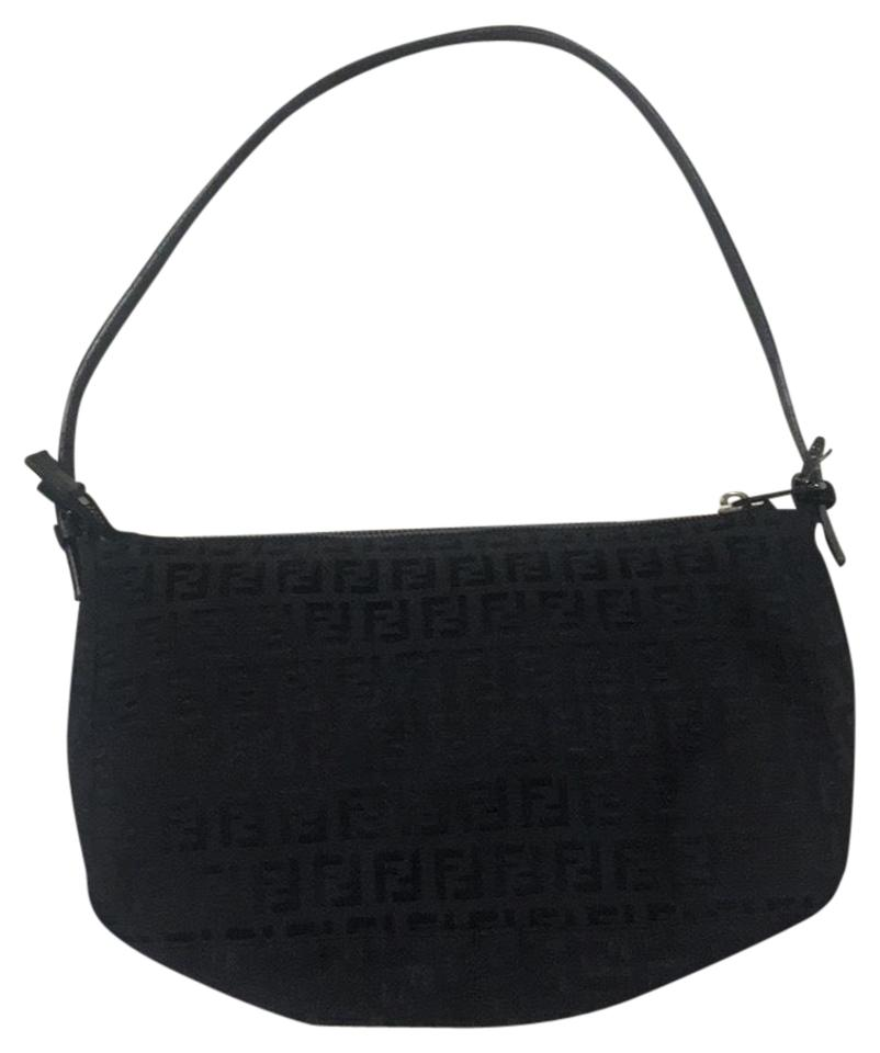 ec2d910e7494 Fendi Shoulder Bags - Up to 90% off at Tradesy