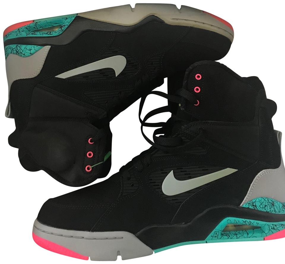 b19634e2db054 Nike Black Air Command Force Sneakers Size US 10.5 Regular (M, B) 29% off  retail