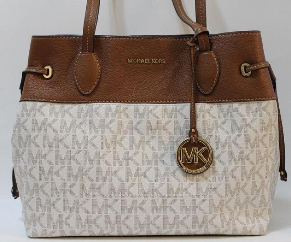 63a52cfc6f4c Michael Kors Large 889154863354 Tote in Vanilla Off-White Image 6. 1234567