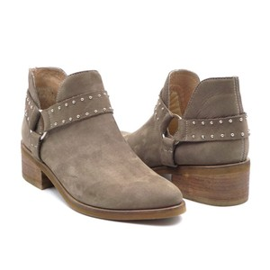 KAANAS Taupe Boots