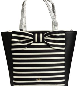 290e7b6ecaf6 Kate Spade Shoulder Bag New York Olive Drive Lottie Savannah Handbag Black  Striped Tote 36% off retail