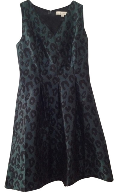 Preload https://item4.tradesy.com/images/ann-taylor-loft-cocktail-dress-size-petite-4-s-2397298-0-0.jpg?width=400&height=650