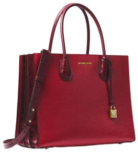 Michael Kors Leather 30f8gm9t3i Tote in Maroon