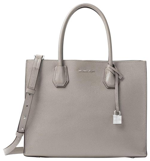 Preload https://item2.tradesy.com/images/michael-kors-mercer-large-30f6sm9t3l-pearl-grey-leather-tote-23973186-0-1.jpg?width=440&height=440