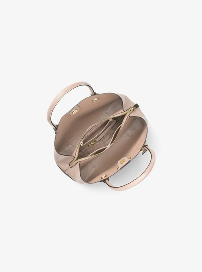 Michael Kors Leather 30h7gz5t6a Satchel in Soft Pink