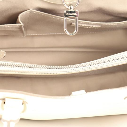 Louis Vuitton Handbag Leather Tote in ivory