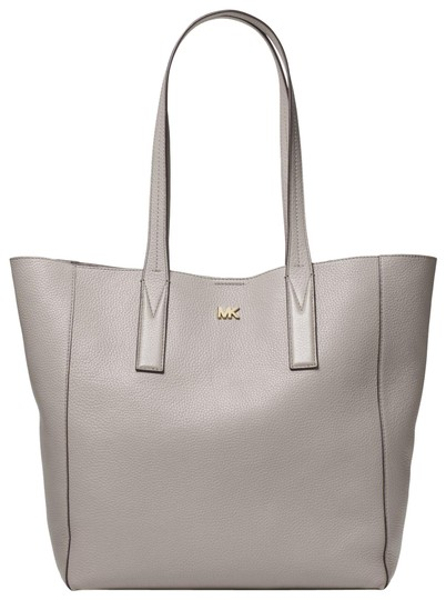 Preload https://item4.tradesy.com/images/michael-kors-junie-large-pebbled-30t8tx5t3l-pearl-grey-leather-tote-23973338-0-1.jpg?width=440&height=440
