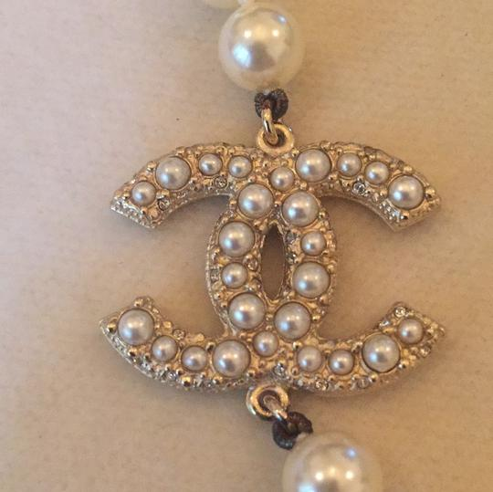 Chanel classic Chanel graduated pearls with gold tone hardware