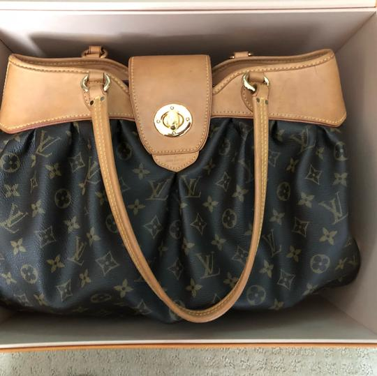 Louis Vuitton Tote in Browns