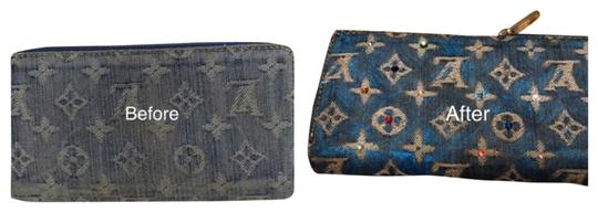 Preload https://img-static.tradesy.com/item/23973581/louis-vuitton-blue-denim-zippy-wallet-0-1-540-540.jpg