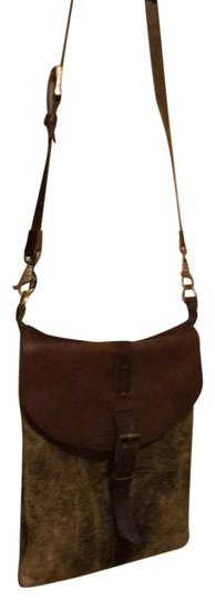 Preload https://item2.tradesy.com/images/england-made-brown-leather-cross-body-bag-23973616-0-1.jpg?width=440&height=440