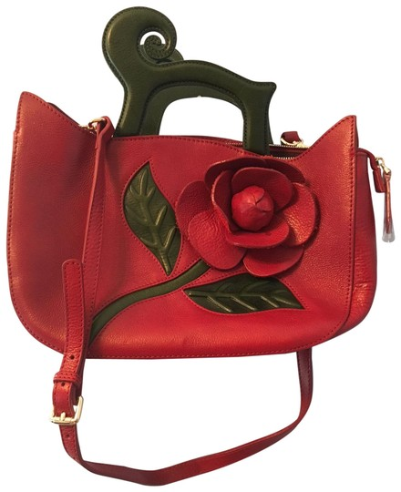 Preload https://item1.tradesy.com/images/red-and-green-leather-shoulder-bag-23973690-0-1.jpg?width=440&height=440