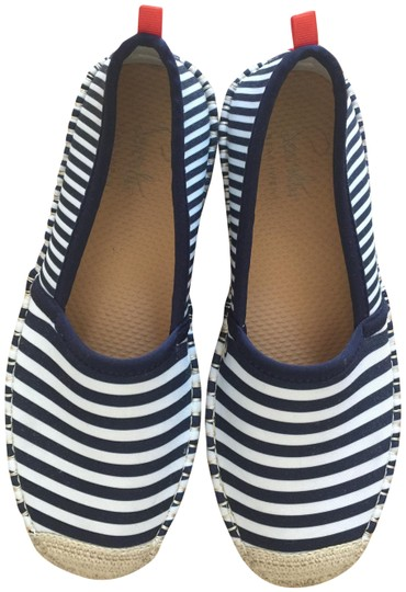 Preload https://img-static.tradesy.com/item/23973874/navy-blue-and-white-stripes-underwater-flats-size-us-8-wide-c-d-0-1-540-540.jpg