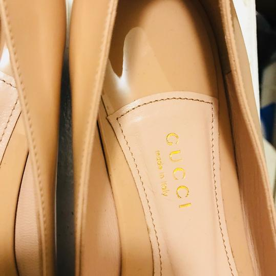 Gucci Leather New nude Flats