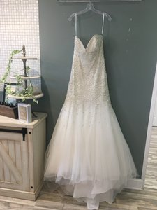 Allure Bridals Ivory Beaded C286 Formal Wedding Dress Size 10 (M)