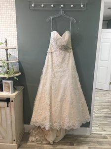 Allure Bridals Ivory/Gold Lace 2569 Formal Wedding Dress Size 10 (M)