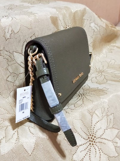 865498b701f4 Michael Kors Clutch Hayes Small Convertible Olive Leather Cross Body ...