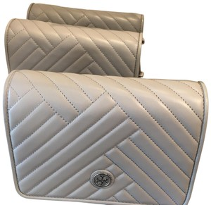 42d335cf713 Tory Burch Bags on Sale - Up to 70% off at Tradesy