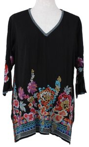 Johnny Was Embroidered Floral V-neck 3/4 Sleeve Tunic Top black