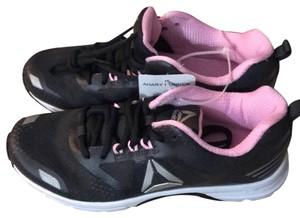a2a2289ae2fd1b Reebok Sneakers - Up to 90% off at Tradesy
