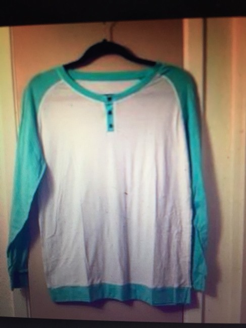 Preload https://item4.tradesy.com/images/lululemon-white-and-turquoise-long-sleeve-super-lightweight-activewear-top-size-10-m-31-2397808-0-0.jpg?width=400&height=650