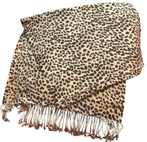 Kenneth Cole Reaction Leopard Shall/ Scarf