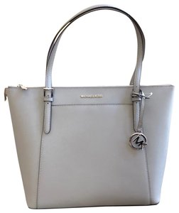 Michael Kors Mk Jet Set Leather Pink Winter Tote in ash gray