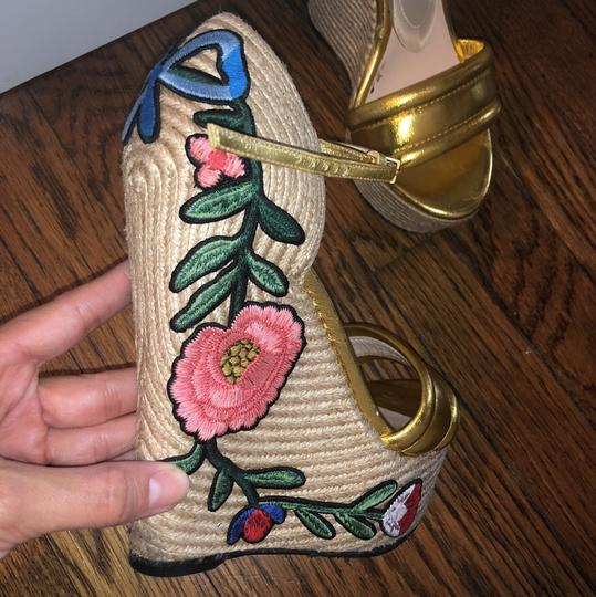 Gucci Gold Wedges Image 2