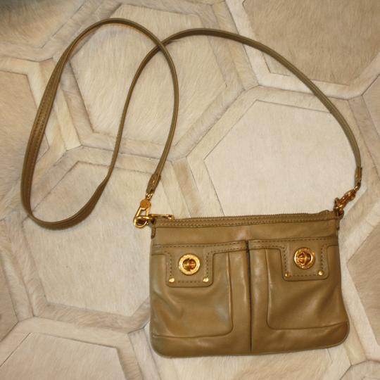 Marc by Marc Jacobs Leather Gold Hardware Casual Classic Mini Cross Body Bag Image 3