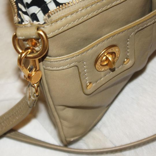 Marc by Marc Jacobs Leather Gold Hardware Casual Classic Mini Cross Body Bag Image 4
