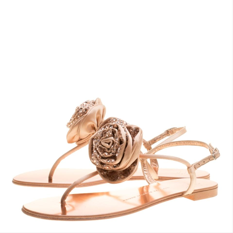 Giuseppe Zanotti Pink Blush Satin and Flat Leather Crystal Embellished Flower Flat and Thong Sa Sandals eb51b3