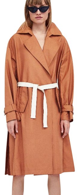 Preload https://img-static.tradesy.com/item/23983056/zara-trench-coat-size-4-s-0-1-650-650.jpg