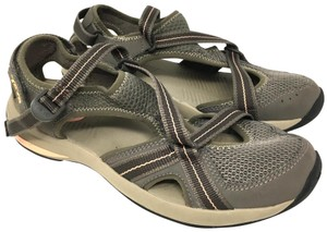 Teva Size 10 S041418-08 brown Sandals