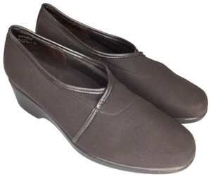 Munro Us7 S013018-28 Brown Flats