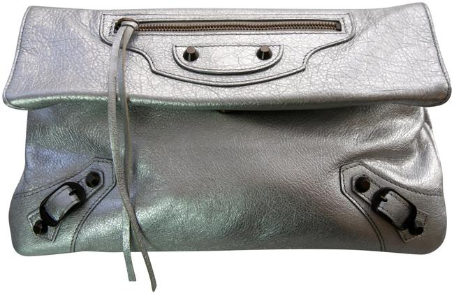 Item - Arena Classic Envelope Silver Leather Cross Body Bag
