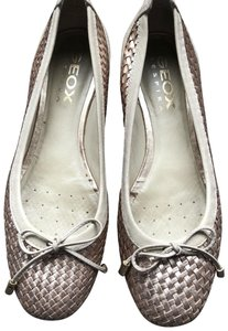 Geox Beige and Light Rose Gold Flats