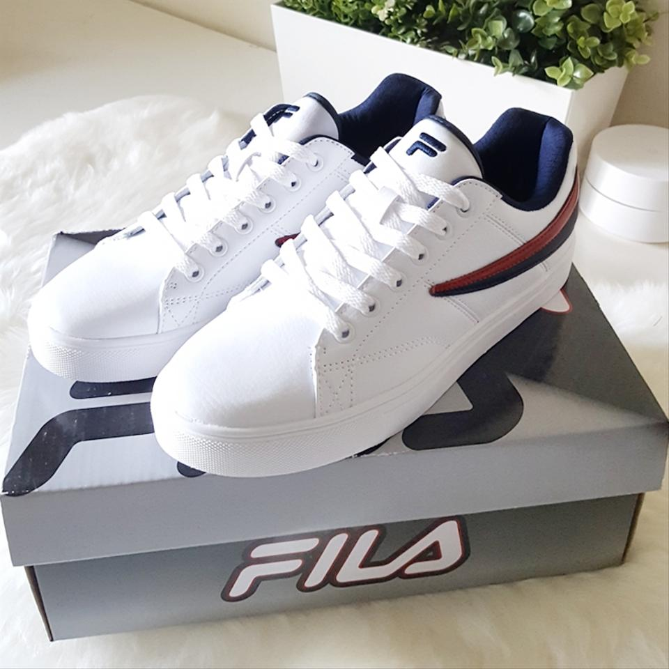 d1c2e23a48b7 Fila White Smokescreen Low Sneakers Sneakers Size US 9 Regular (M