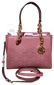 Michael Kors Medium Chain Md Ns Tote in pink
