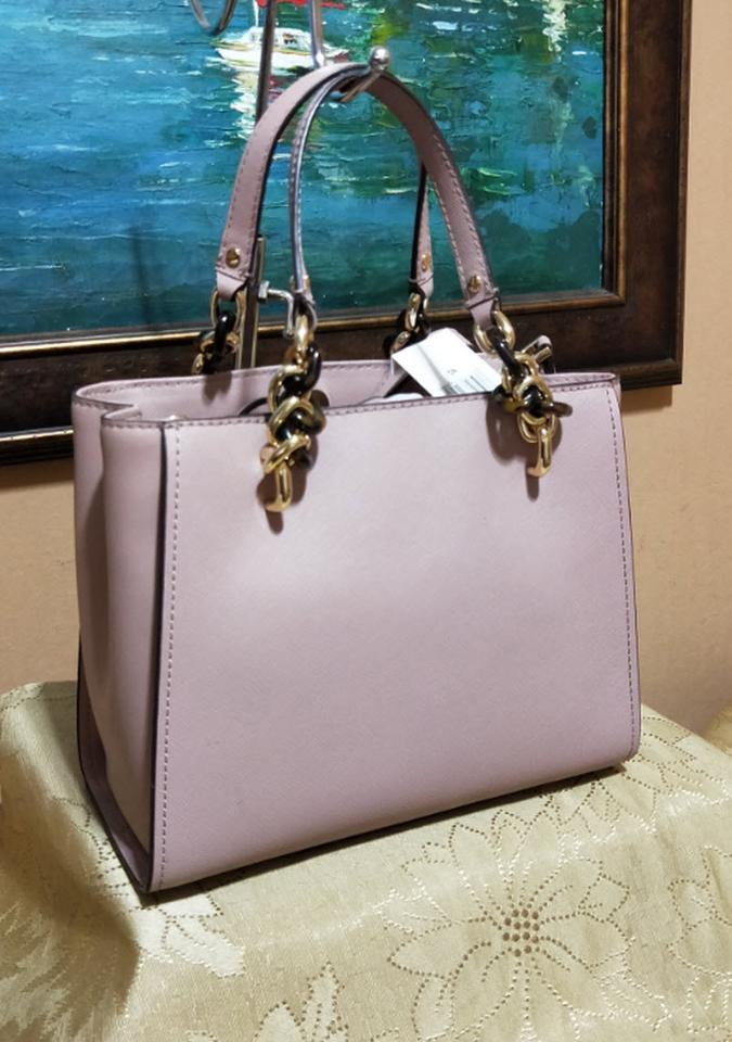 e7ee6a5ece65 Michael Kors Medium Chain Md Ns Tote in Fawn beige Image 10. 1234567891011