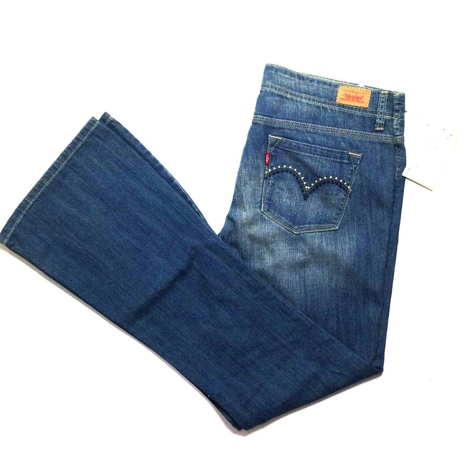 6f2cc00c0c7c1 Levi s Blue Medium Wash Women s W34 Flare Leg Jeans. Size  18 (XL ...